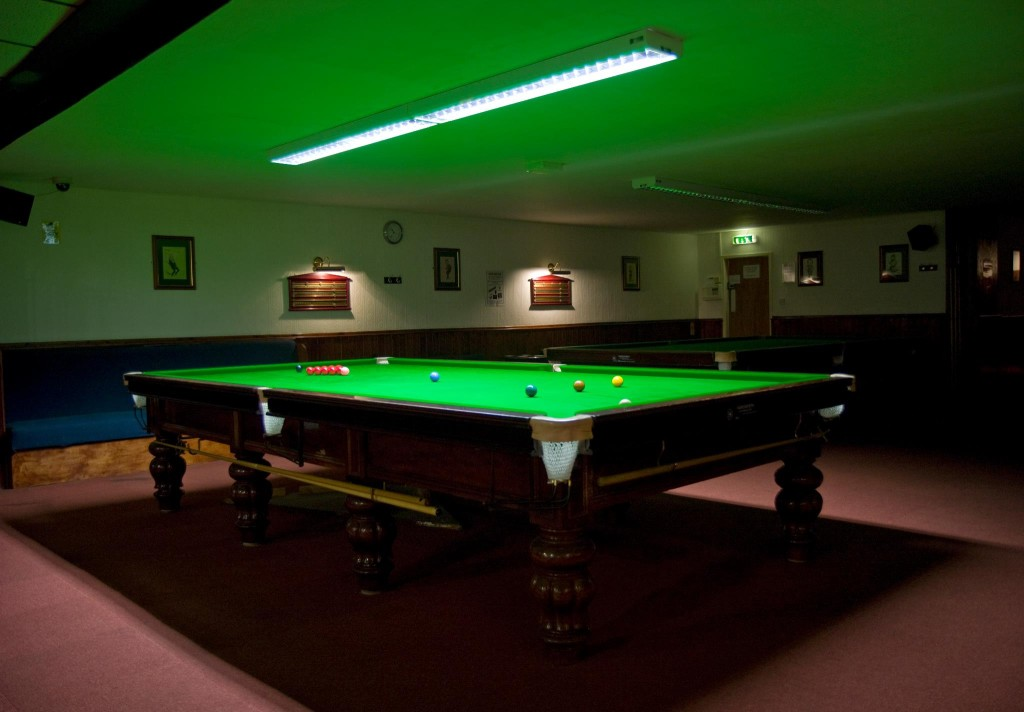 Pool Table Lights : Lighting installation for your pool table prolux